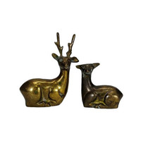 Vintage Brass Deer Figurines Set Small Buck Doe Woodland Animal Pair Bedded Lying Down Antlers Mantle Home Bookshelf Decor Statuette Patina
