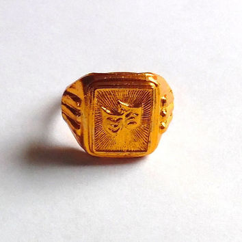 Theater masks ring / unusual / rare / shiny gold ring / vintage / 50s / embossed ring / gift / theatre fan / dainty / small / gold tone ring