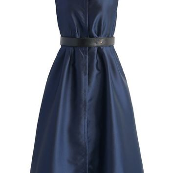 Concise Charm Sleeveless Dress in Navy