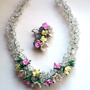 Free shipping - Chunky beaded necklace and earrings- Transparent chips and flower set