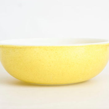 Vintage 2 Quart Pyrex Desert Dawn Vegetable Bowl, 1970s Yellow Speckle Serving or Salad Bowl, Oven Proof Glass, 024