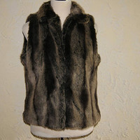 KAREN HART Gray And Black Faux Fur Vest With Variegated Stripes Size Large Hook And Eye Closures