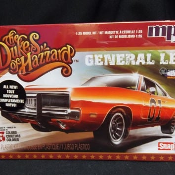 MPC817/12 1/25 Dukes of Hazzard Gen Lee '69 Charger SNA