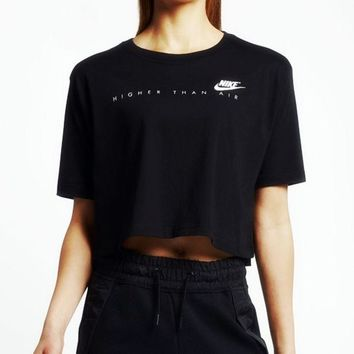 DCCKW2M Nike: Originals Short-Sleeve Cropped Top