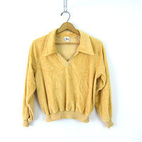 Velour crushed Velvet Top 70s tan yellow sweatshirt Sweater top cropped Retro Louannes Vintage Hippie Butterfly Collar Womens Size Large