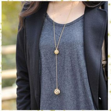 Hot Sale Classic Crystal Hollow Out Two Ball a Long Section of High Texture Flash Spher Golden Long Chain Necklace