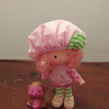 vintage 1980's strawberry shortcake raspberry tart doll with pet