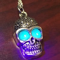 Free Shipping , Glow in the dark necklace , Lady necklace , Men necklace , Blue Necklace , Skull Necklace , Rave Necklace , Glowing Necklace