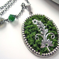 Art Nouveau Flowers Necklace