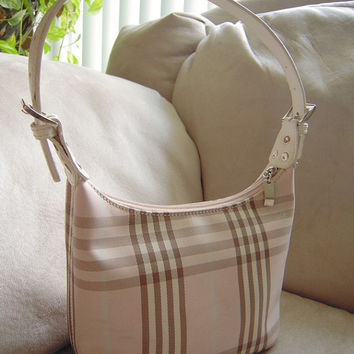 Blush pink and beige zippered checkered pattern shoulder purse, like new great condition,Burberry style handbag,teen purse,pink dress purse.
