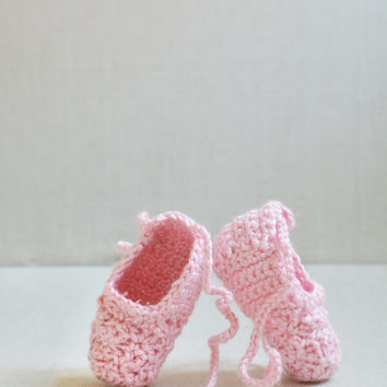 Crochet Baby Ballet Slippers - Ballerina Shoes - Size 0-6 Months