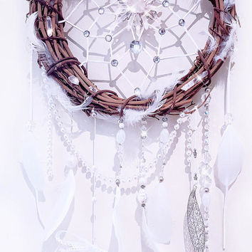 Dreamcatcher, feather dreamcatcher, wedding decor, boho decor, wreath, boho wedding, white dreamcatcher,crystal dreamcatcher, OOAK, white