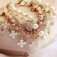Pearl and Clover Chain Leather Bracelet
