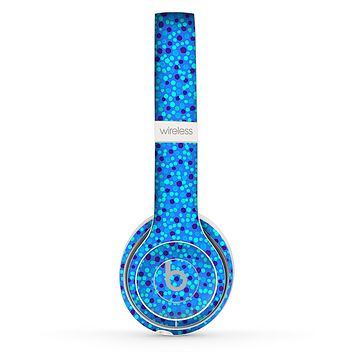The Small Scattered Polka Dots of Blue Skin Set for the Beats by Dre Solo 2 Wireless Headphones