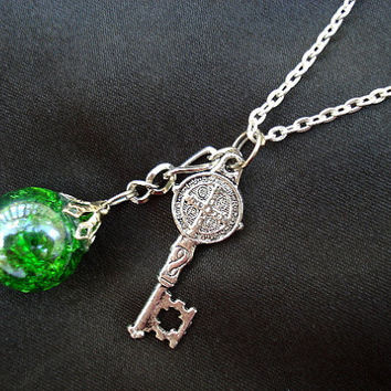Medieval Key Green Crackle Glass Chain Necklace