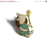 10% OFF Vintage Winnie The Pooh Piglet Smelling a Flower Enamel Pin