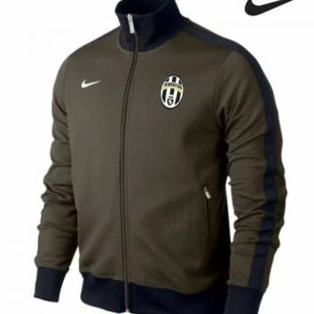 FC Juventus Crest Zip Jacket by Nike:Amazon:Sports & Outdoors