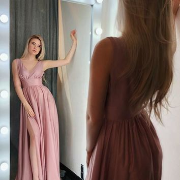 Evening Dresses Pink Slit Sleeveless V Neck Prom Dresses