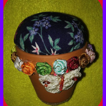 PINCUSHION Gardener's Delight Terracotta Flower Pot Crocheted Beaded BUTTERFLY Sewing
