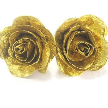 Gold crepe paper roses,Gold baby shower, Gold WEDDING CENTERPIECE , Gold DIY Wedding, gold Cake Topper, gold groom boutonniere, gold corsage