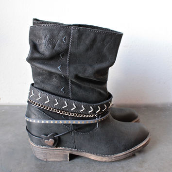 coolway - carey womens distressed slouchy western leather ankle boots in black