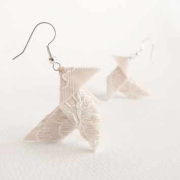 Nude lace origami earrings OOAK by Jye, Hand-made in France