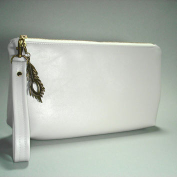 Gray Vegan Leather Clutch/ Pale Gray Vegan Leather Wristlet Clutch/ Gray Clutch/ Gray Wristlet Clutch