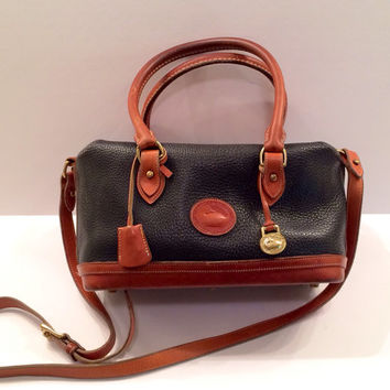 Dooney Bourke Black Pebbled Leather Doctor Hand Bag/Purse, Extremely Rare Style