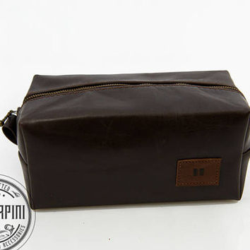 Large Dopp kit, Free Branding Initials, Deep Brown, Men travel bag, Gift for men, Gift for Dad, Men, Father of the bride, Razor bag,