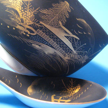 Asian Porcelain Footed Rice Bowl With Serving Spoon Black Gold Decorated