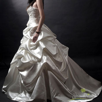 Regina/wedding gown/women clothing/bridal by pandaandshamrock