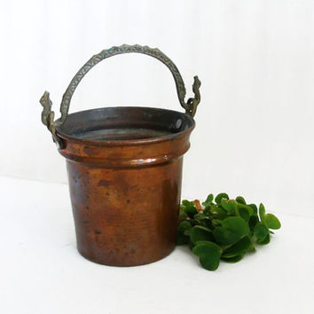 Vintage copper BUCKET, SMALL hand wrought hanging PAIL pot. Rustic earthy country, farmhouse, cottage, farm, barn decor. Ornate brass handle