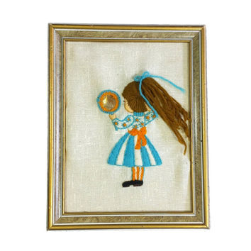 Young Girl Crewel 3D Framed Embroidery Needlepoint Picture Vintage Kids Room Rerto Nursery Wall Yarn Art