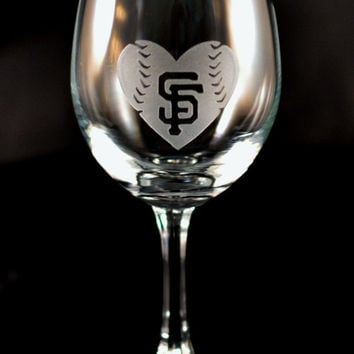 His & Hers San Francisco Giants Baseball and Baseball Heart Custom Etched Wine Glasses - Set of 2 Engraved Glasses - Gamer Babe