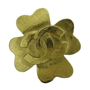 MINT. Vintage CHANEL gold tone clover shape brooch with large CC mark. Very chic and cute.