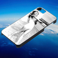 Marilyn Monroe on beach for iPhone, iPod, Samsung Galaxy, HTC One, Nexus **