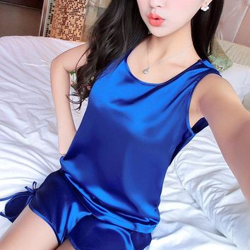 Sexy Silk-like Pure Color Sleeveless Breathable Thin Sleepwear Sets For Women