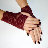 Ruby red a pair of elegant short lace gloves, Short gothic gloves, red wine vampire gloves