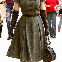 Who made Dita Von Teese?s dress and gloves that she wore while in Los Angeles, C.A   OutfitID