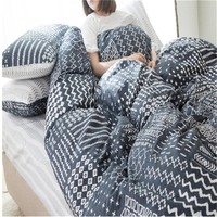 Geometric design luxury 4pcs adult bedding 1pcs quilt cover/1pcs bed sheet/2pcs pillowcase free shipping