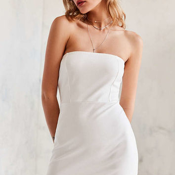 Kimchi Blue Scallop-Edge Ponte Strapless Dress | Urban Outfitters