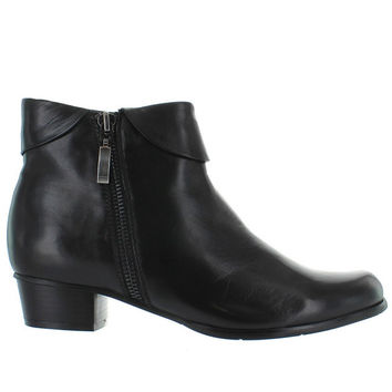 Spring Step Stockholm - Black Leather Side Zip Cuff Bootie