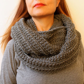 FREE SHIPPING Infinity Cowl Circle Scarf. Infinity Scarf / Snood / Grey Gray / Hand Knitted Chunky Scarf / Oversized Knit Scarf / Loop