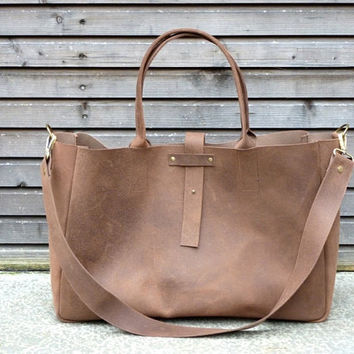 Vintage look waxed leather bag/weekend bag  in by treesizeverse