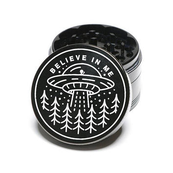 Laser Engraved Herb Grinder - They Are Out There Aliens Design 4 Piece Aluminum Grinder GW151
