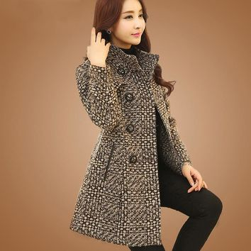 New Women's Wool Blends Coat Winter Fashion Elegant Mother Turtleneck Plaid Slim Long Tweed Woolen Outerwear Female