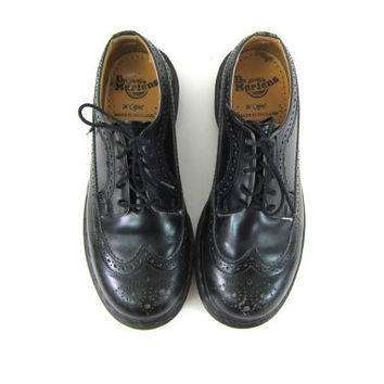 vintage black Doc Martens leather heavy duty chunky wingtip shoes Made in England Lace up shoes // 6 UK // US 8.5 - 9 women's