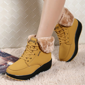 Winter Women Swing Shoes New Warm Plus Thick Velvet Fashion Snow Boots Lace-up High-top Outdoor Shoes zapatos mujer size 40