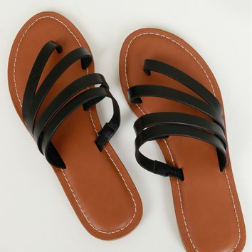 Strappy Flat Sandal Black