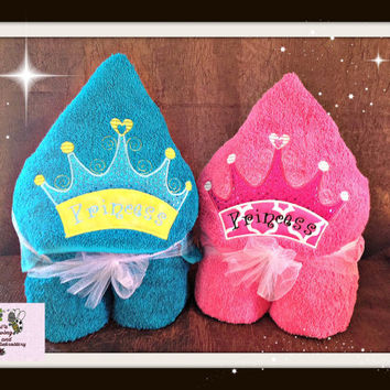 Hooded Bath towel in different Princess design's